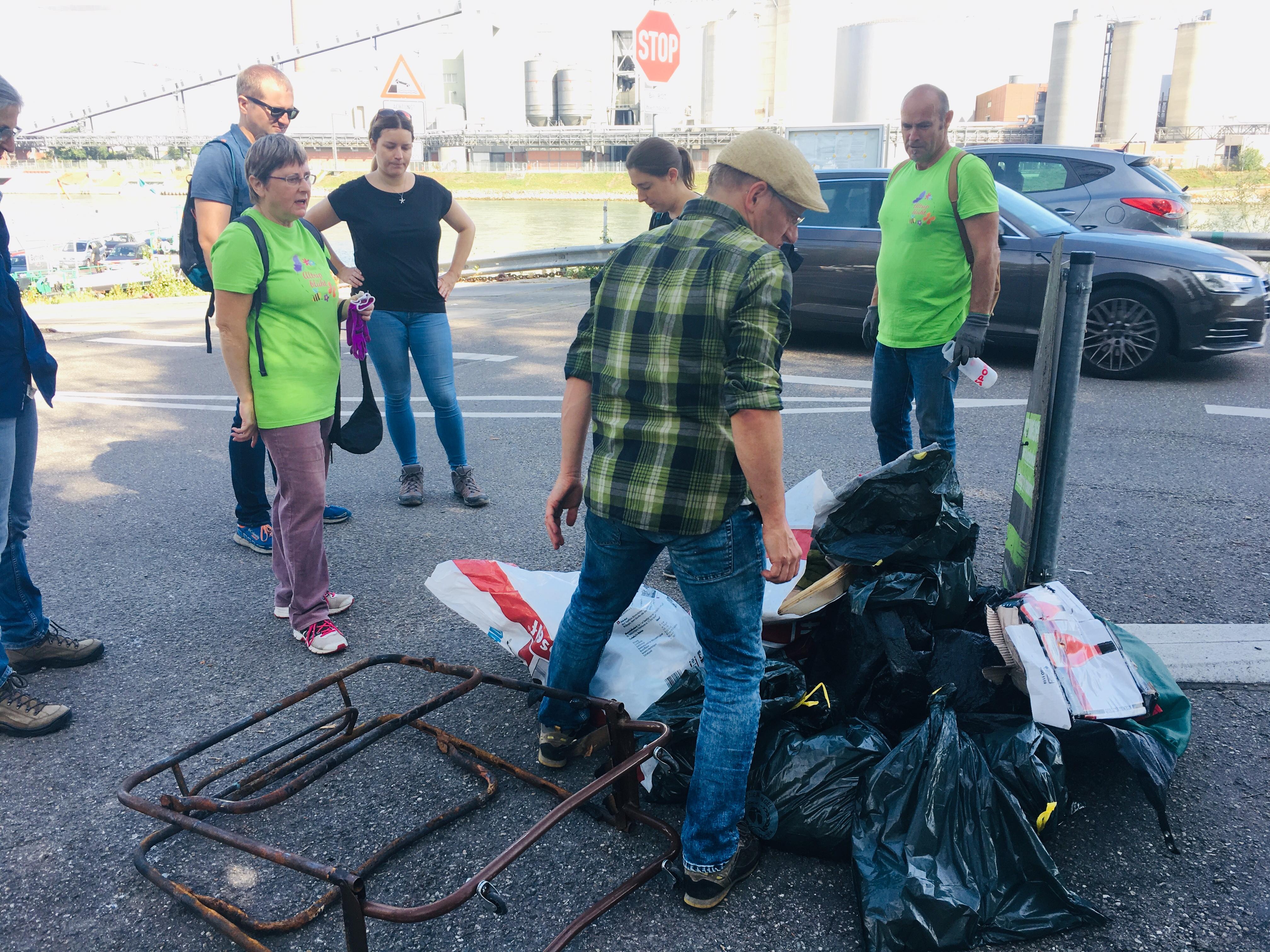 Internationaler Rhine-Cleanup-Day: Rhein-Ufer säubern mit den Grünen Altrip